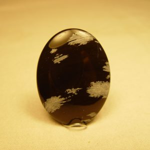 Cab: Obsidian, snowflake 40 X 30mm